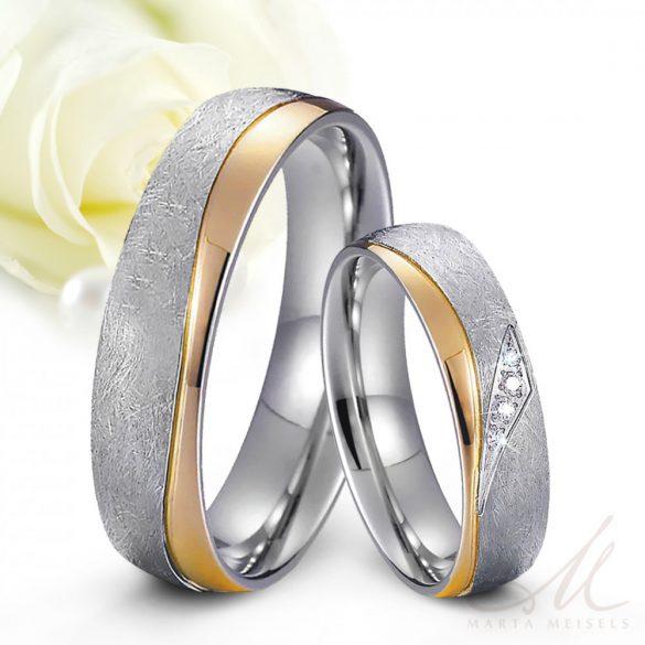Szálcsiszolt arany hullám mintás kristályokkal díszített Női nemesacél karikagyűrű KG-MX-N037W