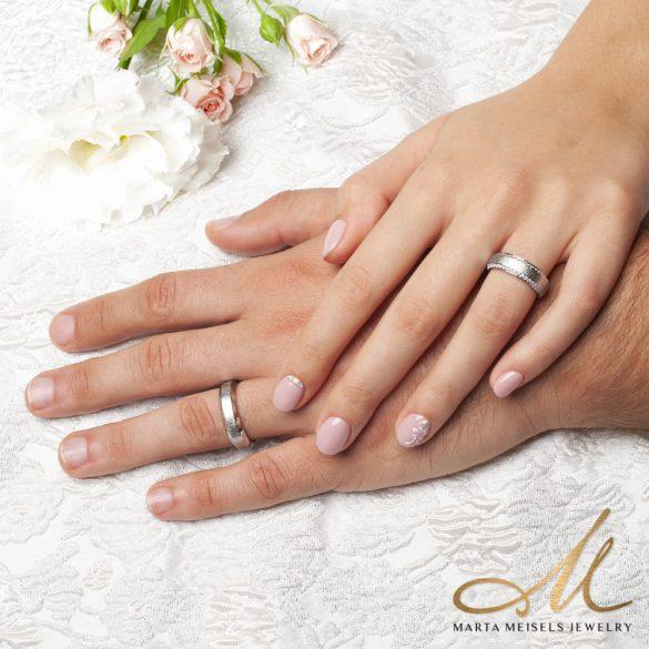 Különlegesen szép, modern stílusú nemesacél Női karikagyűrű 2 sorban kristályokkal kirakva KG-TZ-N0104WW