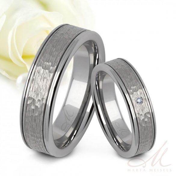 Kalapált felületű tungsten Férfi karikagyűrű KG-WT-V505M